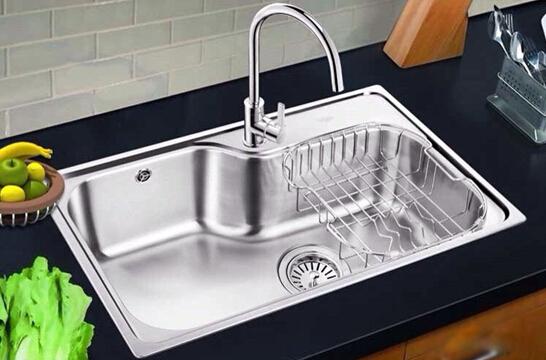 对比一下才知道!厨房到底安装单水槽好还是双水槽好?